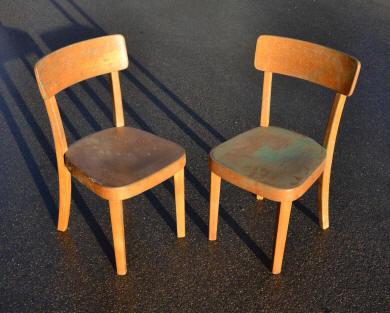 mobilier vintage pour enfants chaises tables coffres jouets mobilier scolaire. Black Bedroom Furniture Sets. Home Design Ideas