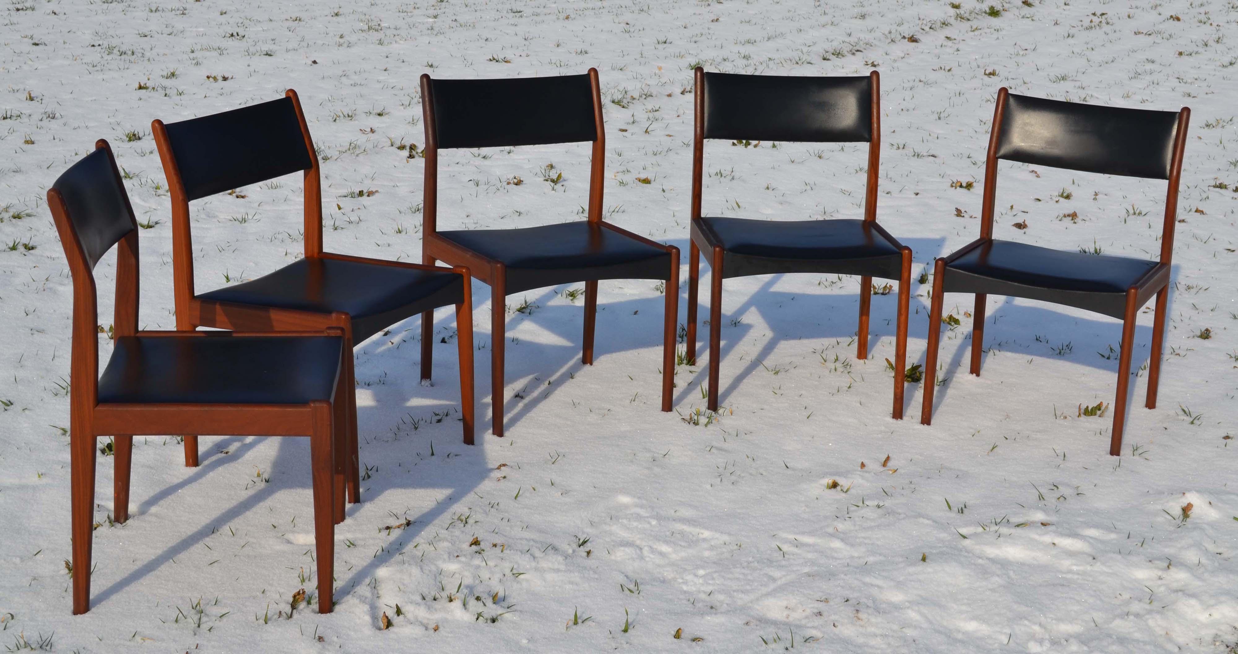 Mobilier design vintage scandinave chaises et meubles en - Renover une chaise en bois ...