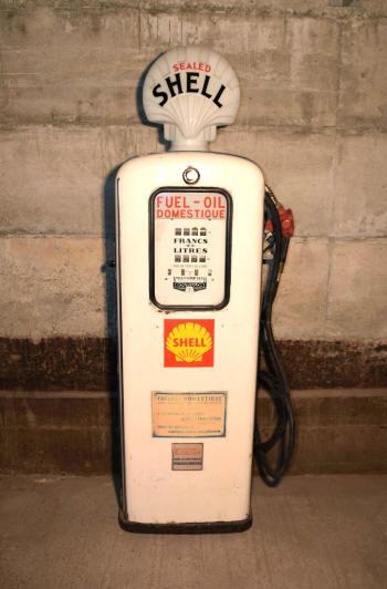 pompes 224 essence anciennes graisseurs bars 224 huile plaques 233 maill 233 es et d 233 coration garage