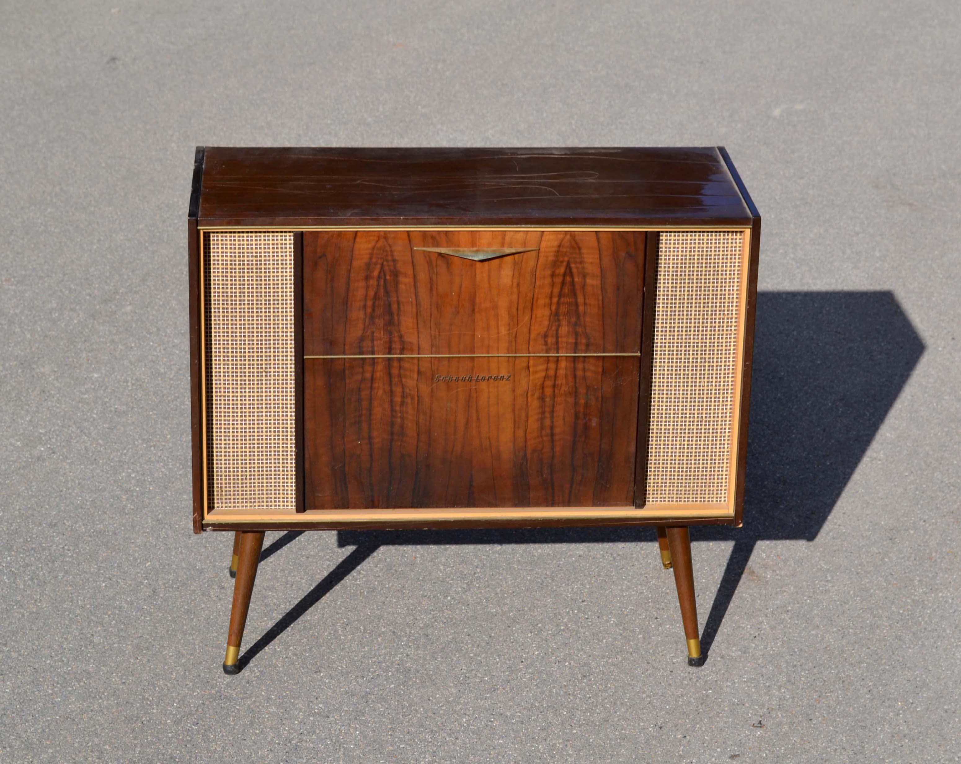 Mobilier et objets des ann es 1950 60 archives d j vendu for Marque de meuble francais