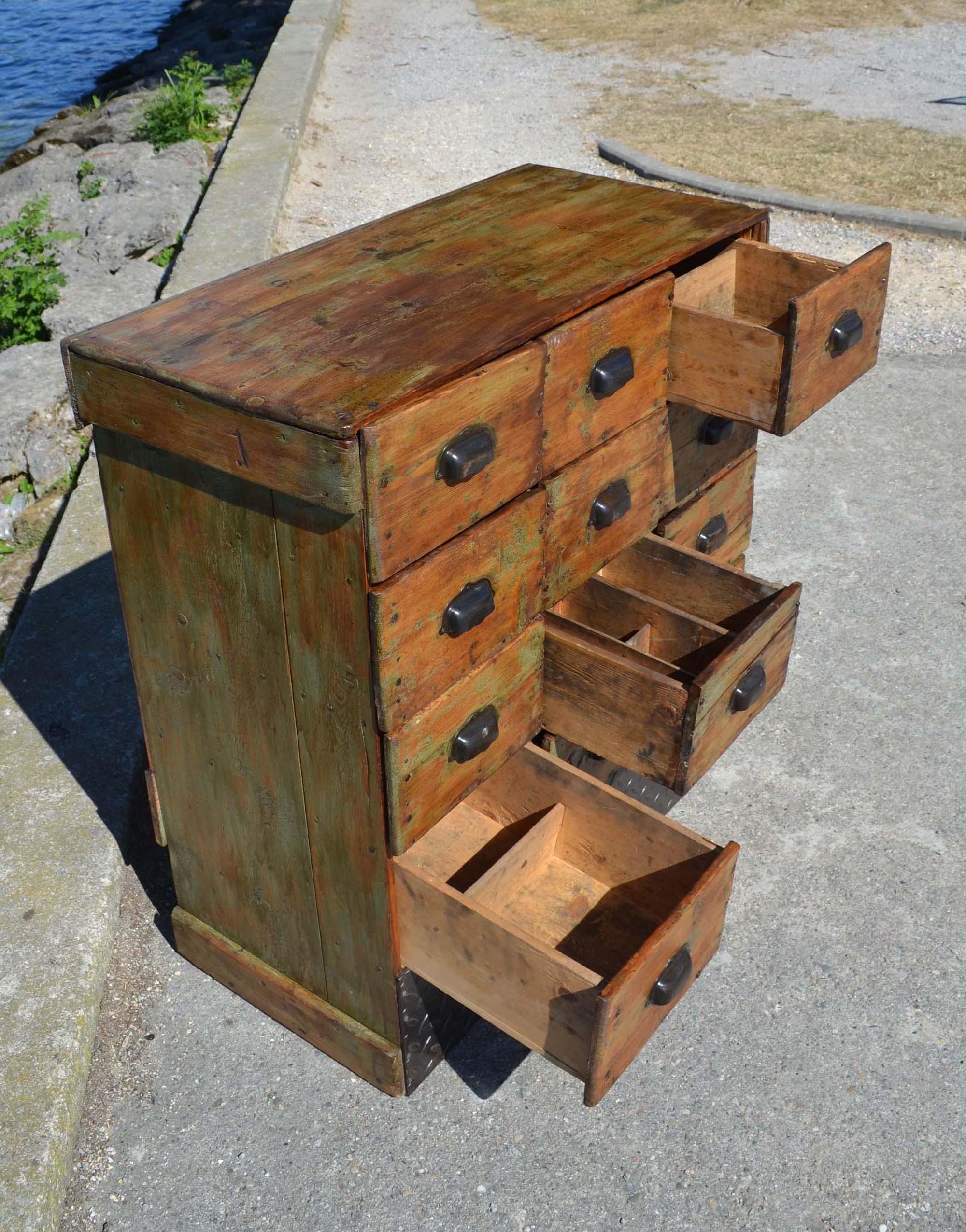 table ancienne bois avec tiroir. Black Bedroom Furniture Sets. Home Design Ideas