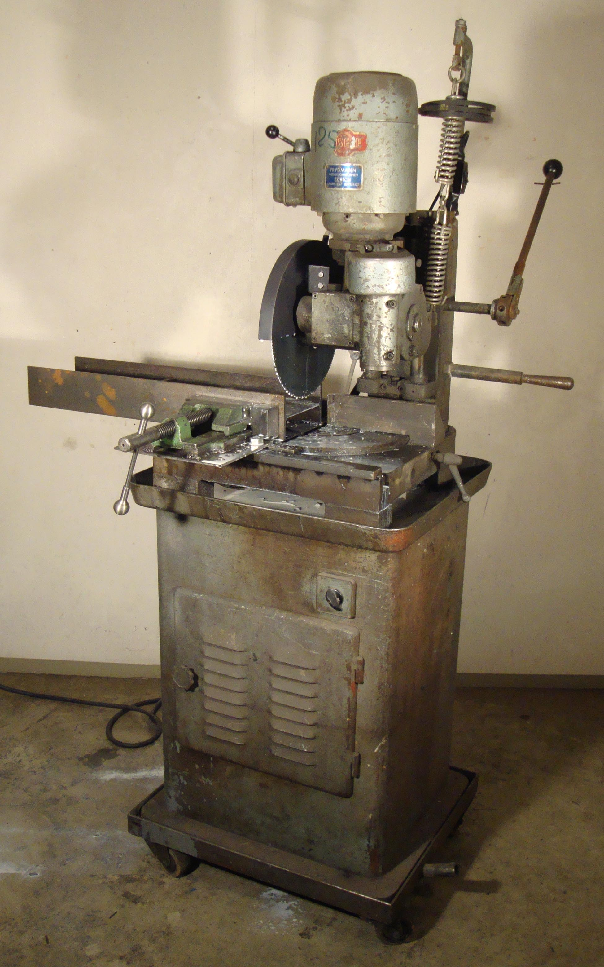 Moyens de productions machines rouleuse t le for 2eme main machine a coudre