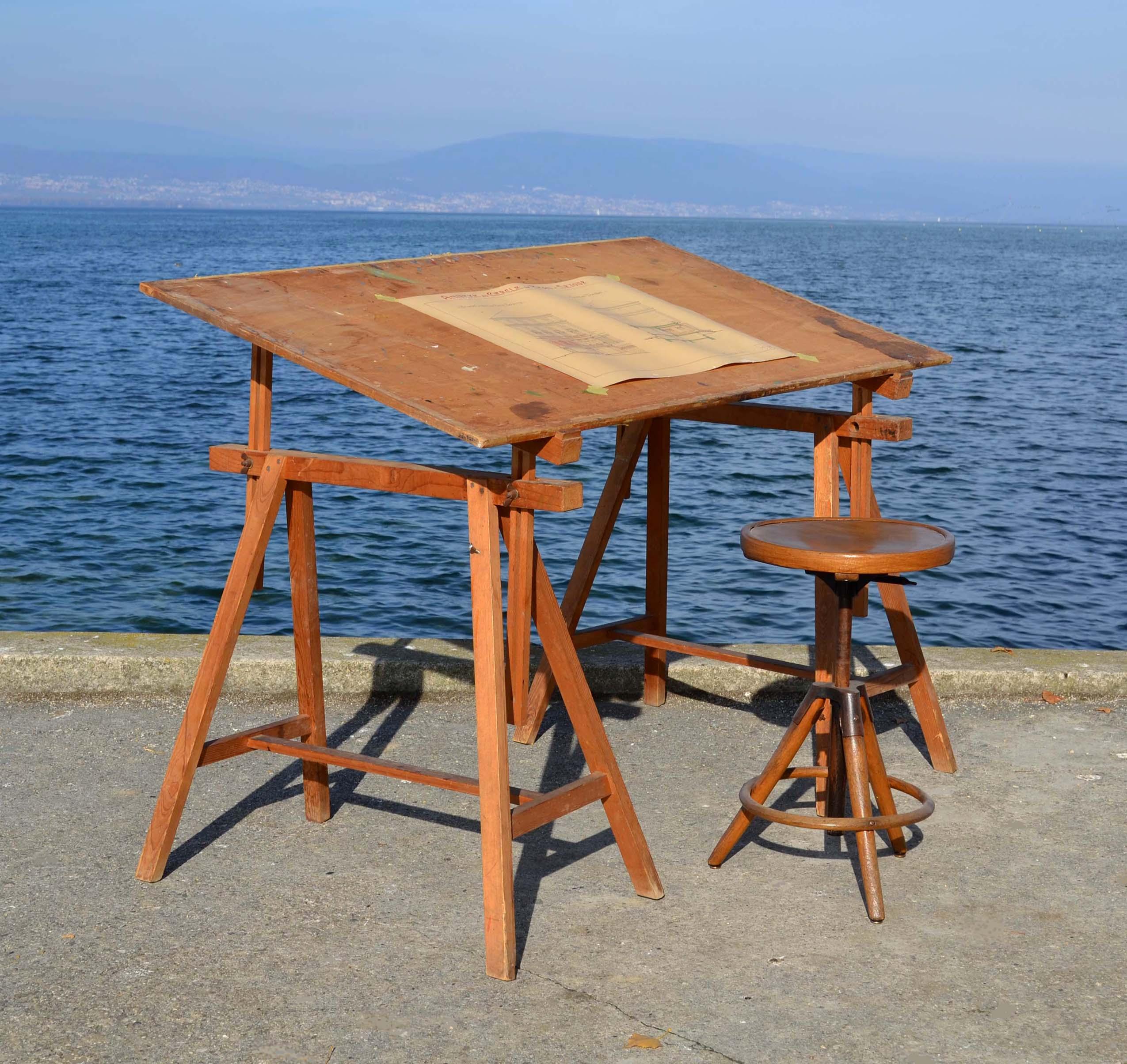 mobilier industriel ancien chaises meubles tiroirs caisseettes zingu es. Black Bedroom Furniture Sets. Home Design Ideas