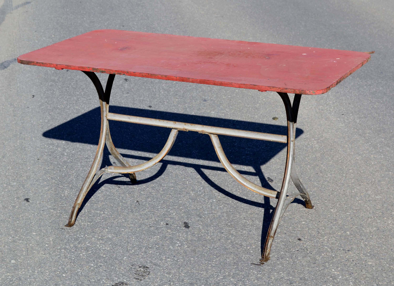 Mobilier de jardin ancien vendu for Table exterieur 120x70