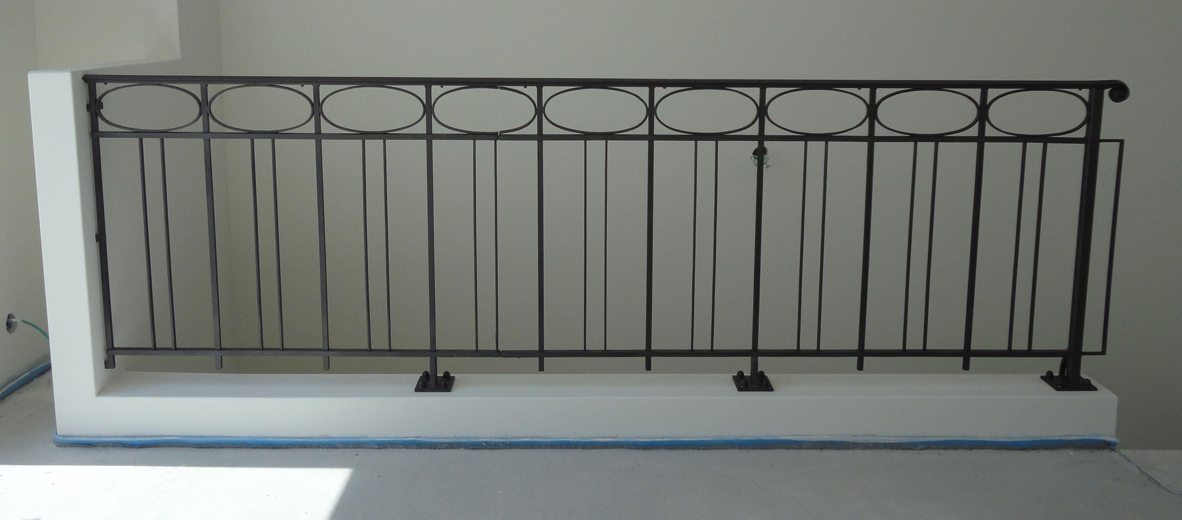 balustrades de balcon anciennes fer forg. Black Bedroom Furniture Sets. Home Design Ideas