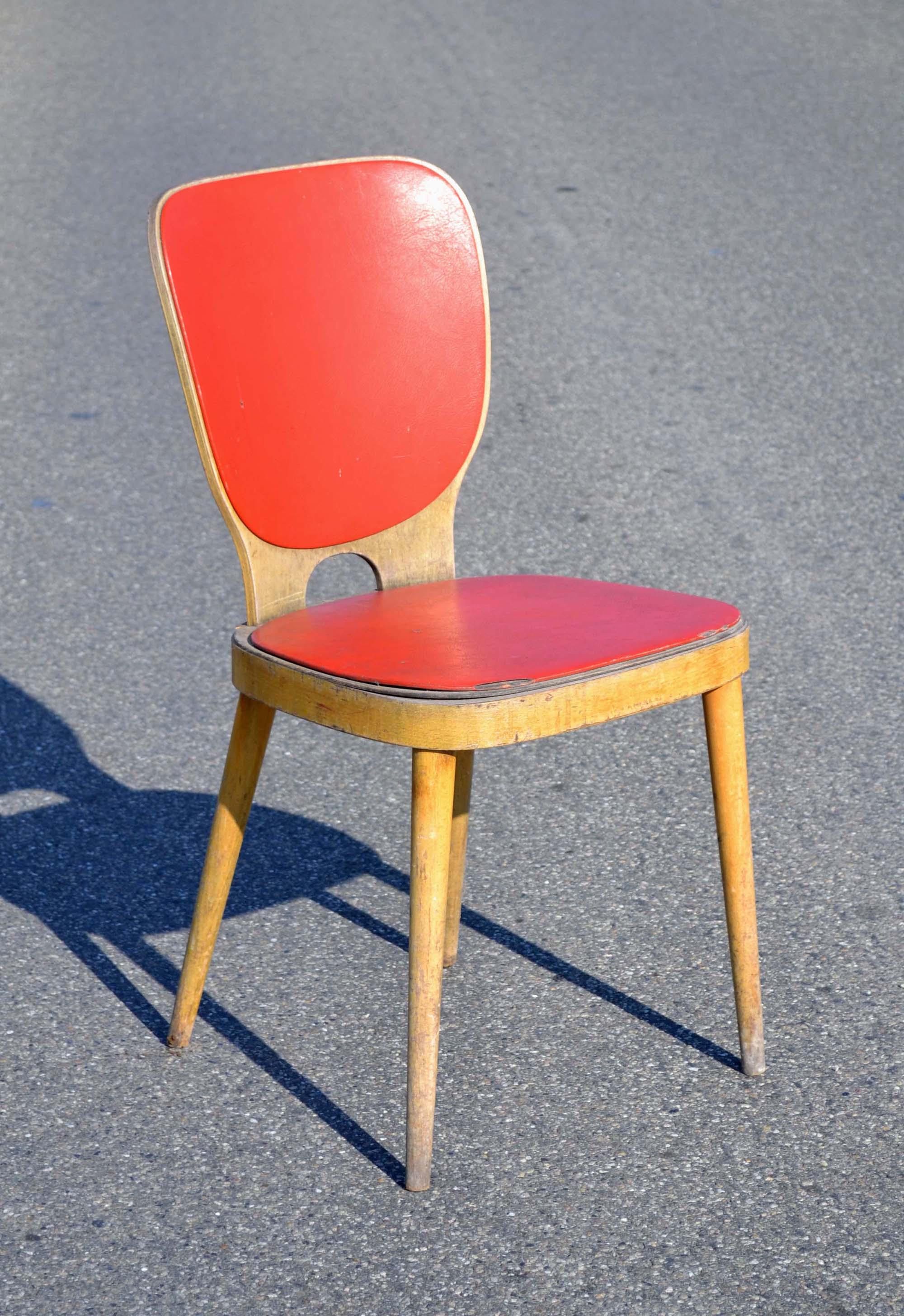 Des chaises design vintage des ann es 1950 80 de designers connus mais aussi des pi ces for Evolution de la chaise
