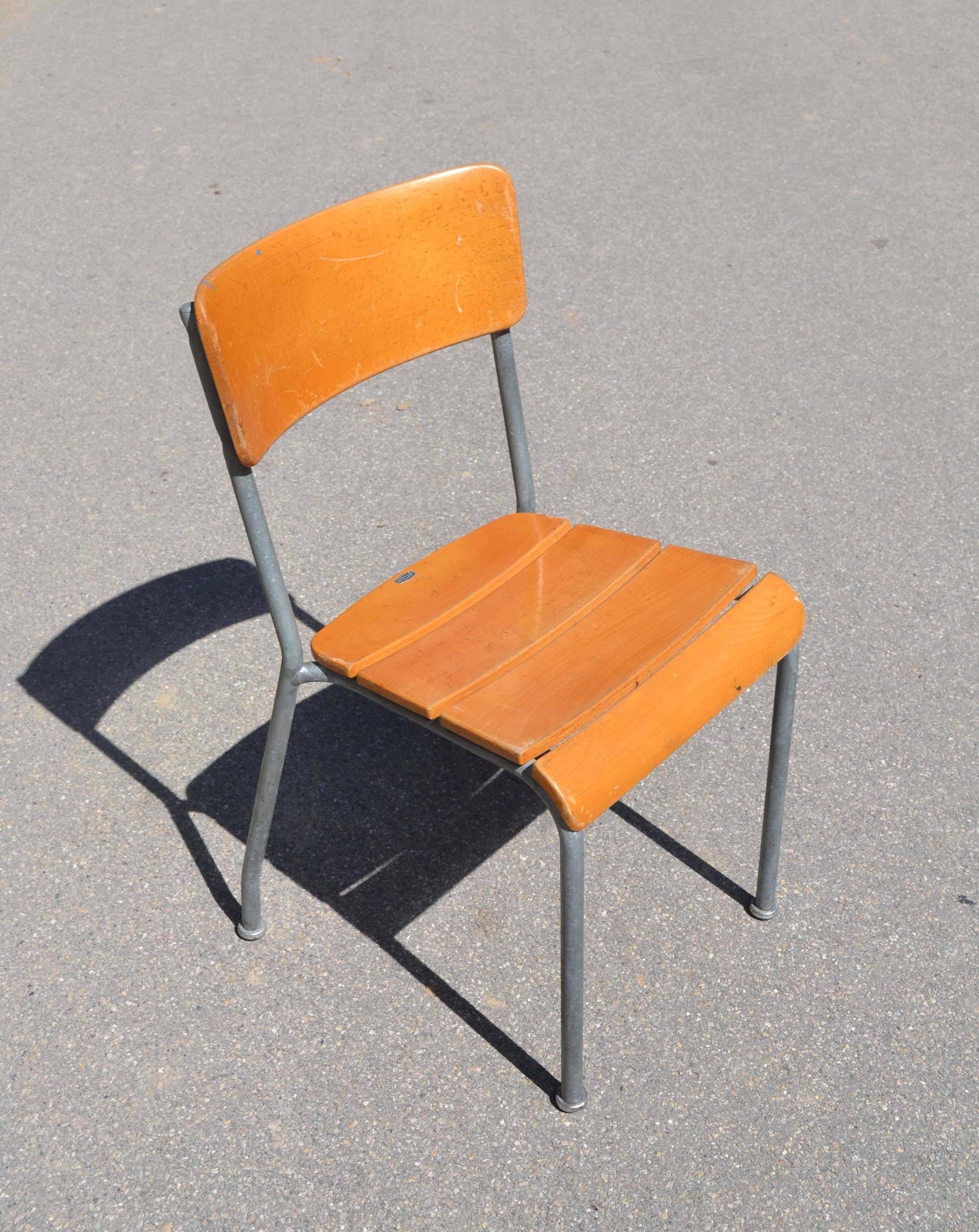 chaises en plastiques années 50