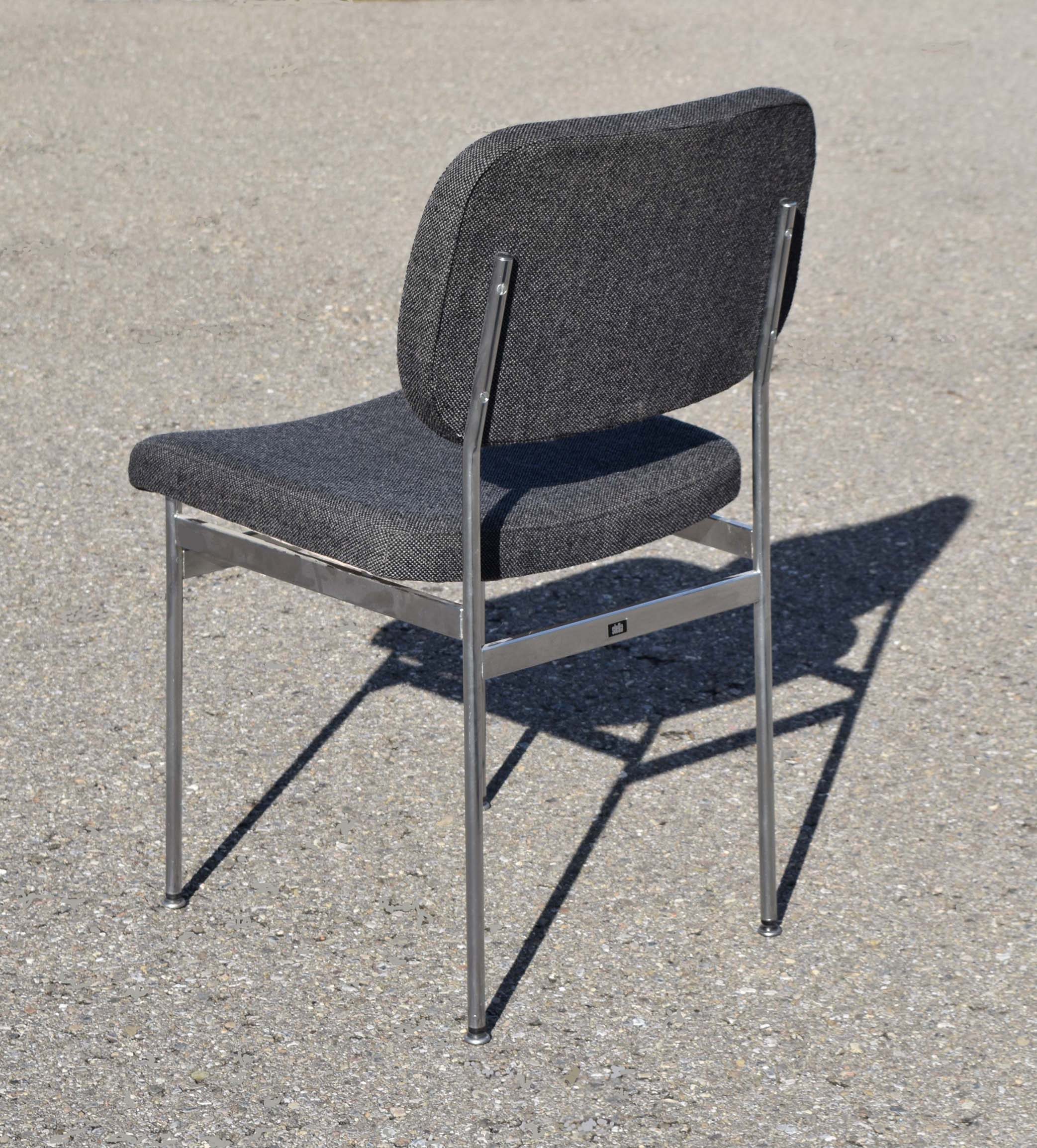 chaise eames suisse latest vitra la chaise eames dessin au trait with chaise eames suisse. Black Bedroom Furniture Sets. Home Design Ideas