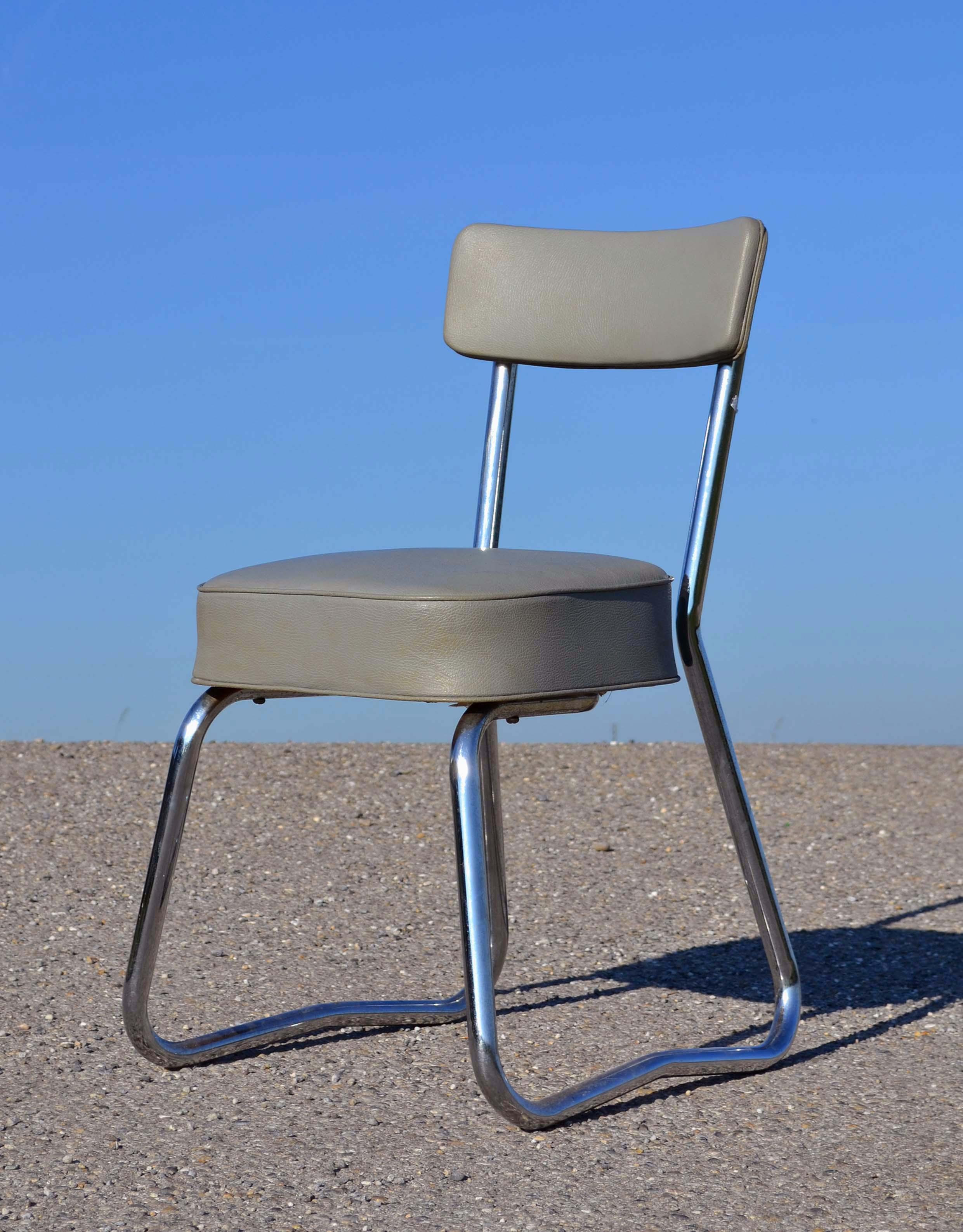 chaise de bureau gris pictures to pin on pinterest. Black Bedroom Furniture Sets. Home Design Ideas
