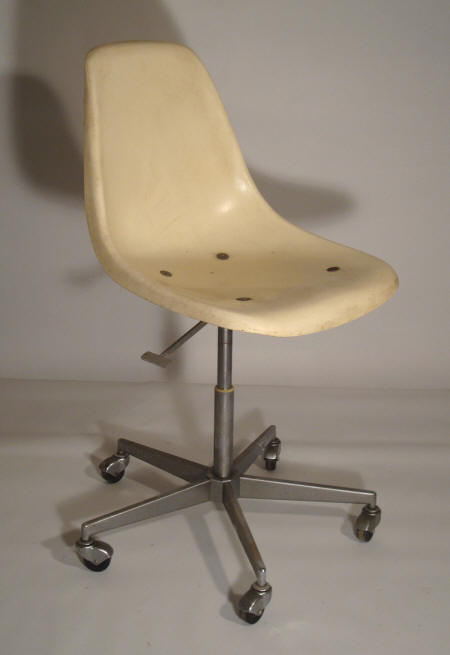 Stella bassecourt chaises vintage fabrication suisse for Chaise eames roulettes