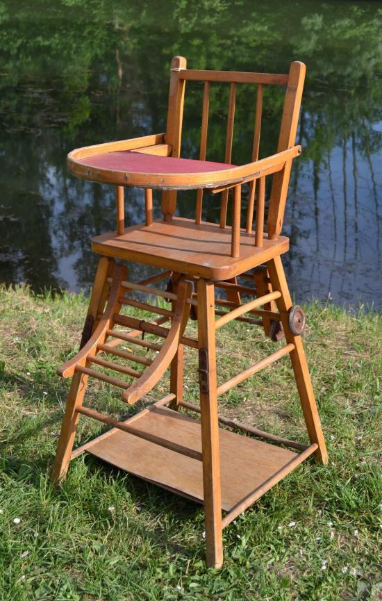Chaise haute en bois pour b b d occasion table de lit a roulettes - Chaise pour table en bois ...