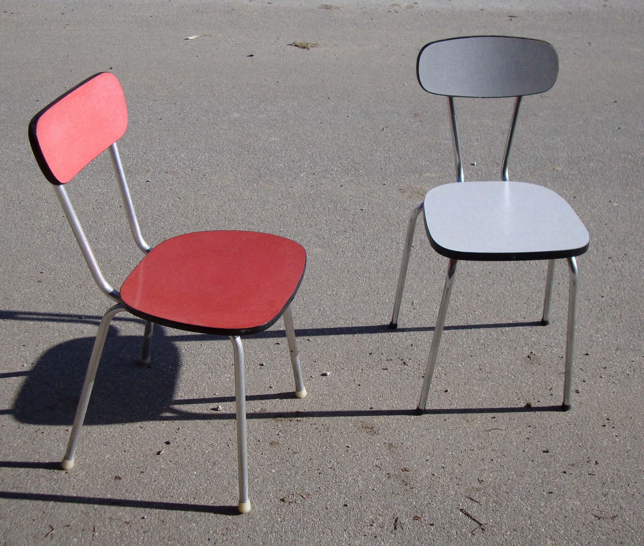 Chaises de cuisine rouge chaise blanche de bar de cuisine rouge grise noire originale simili for Chaise de bar rouge