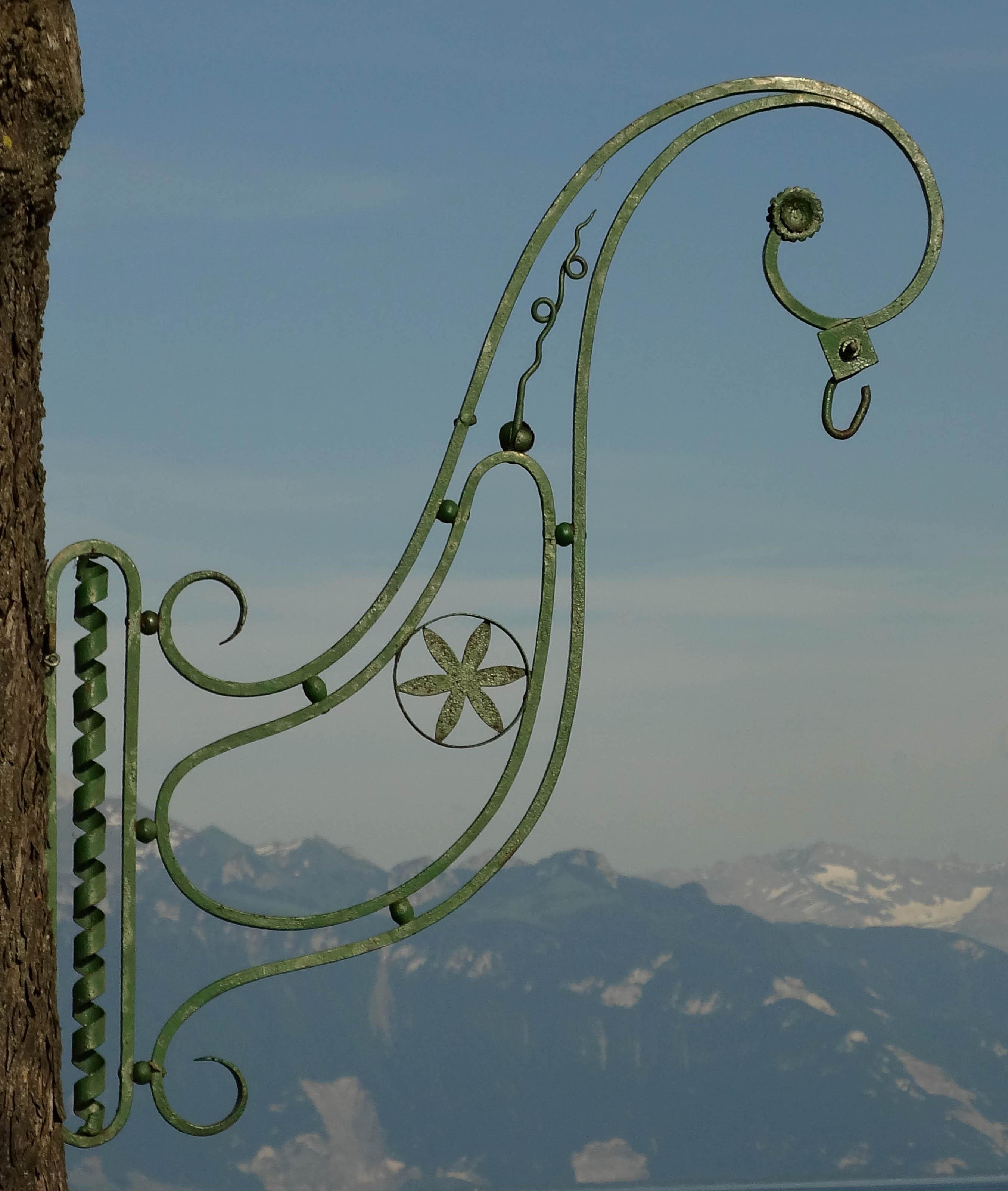 Fabrication d 39 enseignes et potences en fer forg l 39 ancienne style classique for Porte en fer forge ancienne