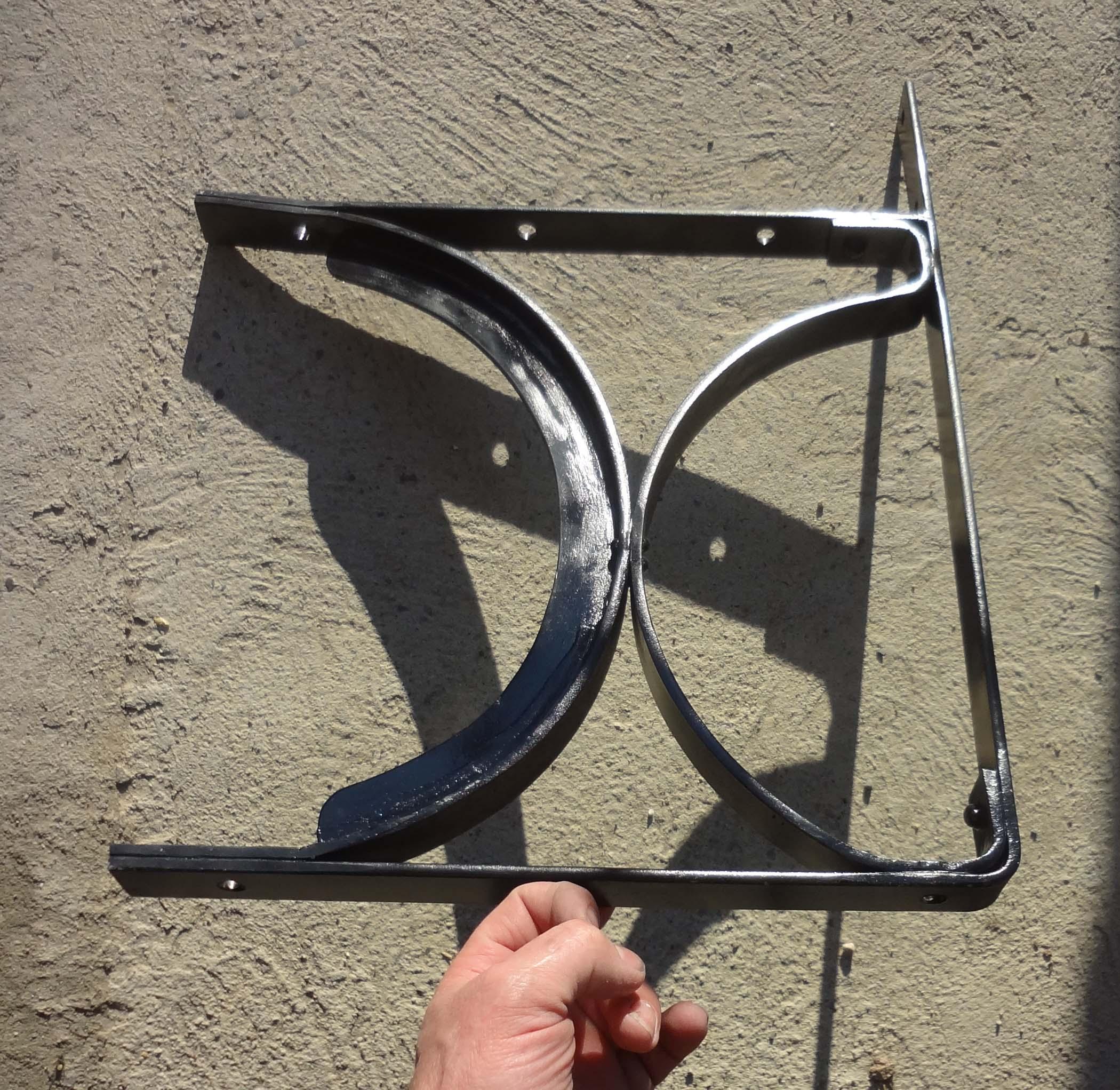 Ferronnerie d 39 art fabrication d 39 enseignes style fer forg - Fabrication banquette sur mesure ...