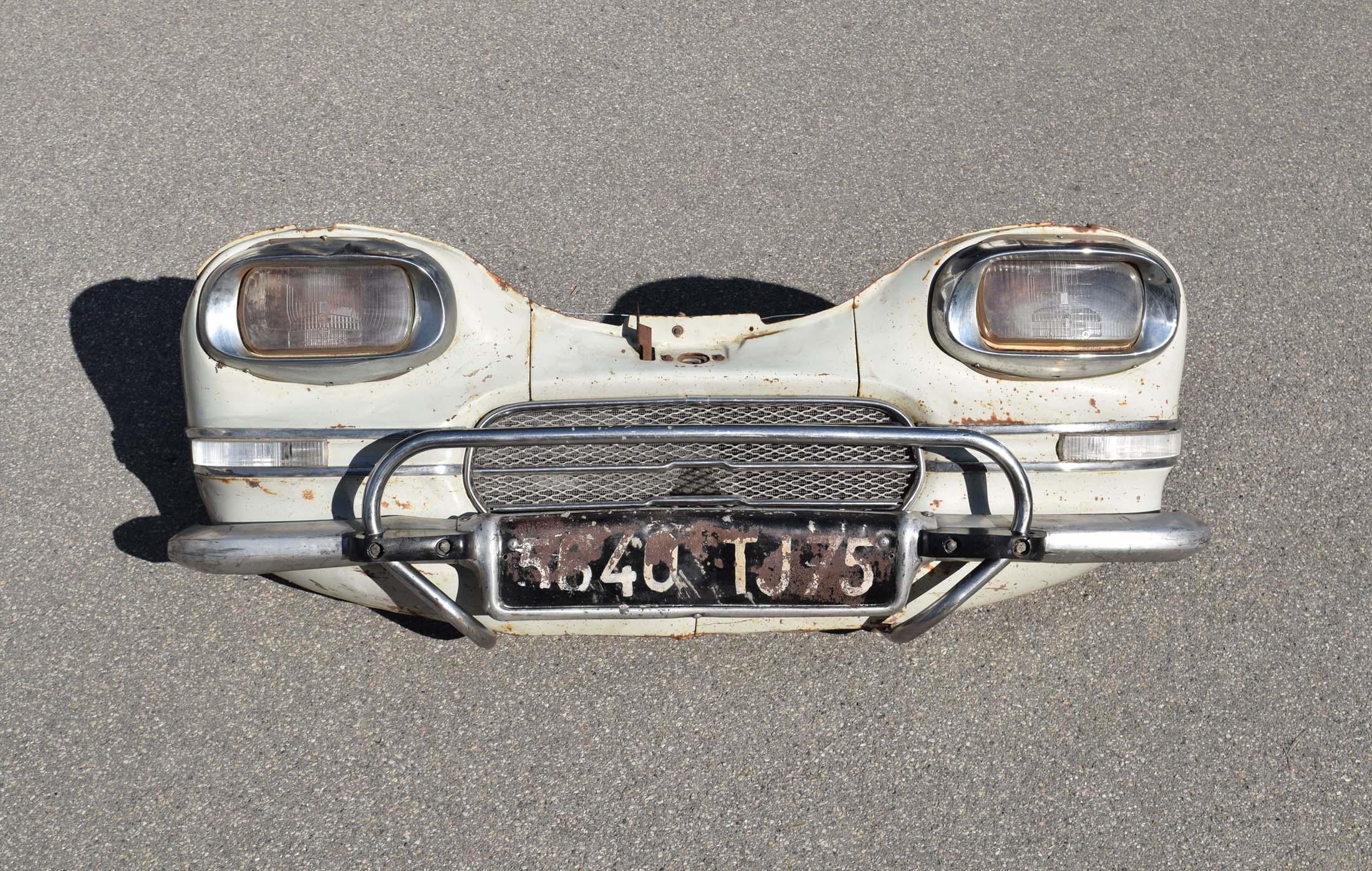 Pompes essence anciennes graisseurs bars huile for Garage recuperer voiture