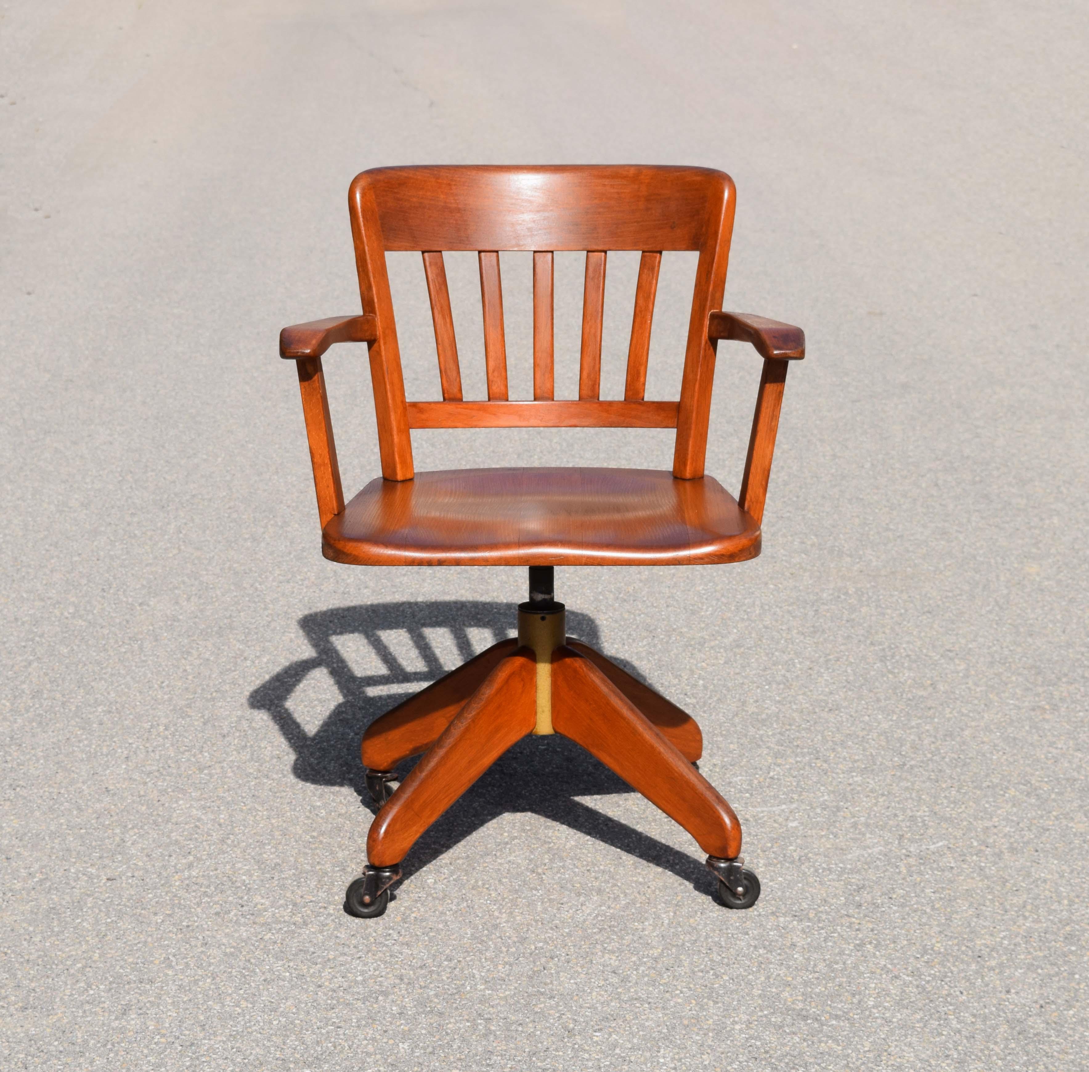 mobilier industriel ancien htm. Black Bedroom Furniture Sets. Home Design Ideas