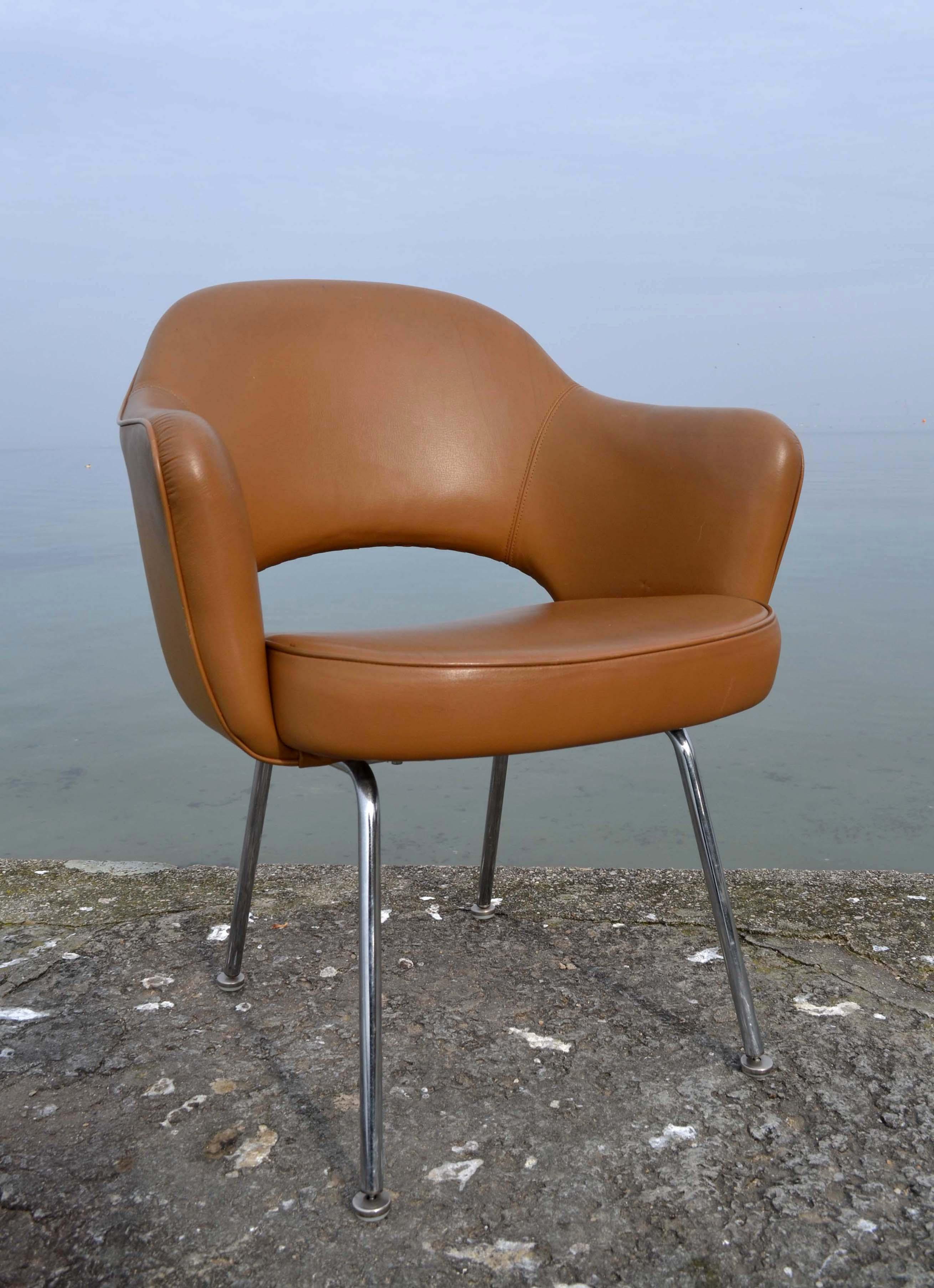 des chaises design vintage des ann es 1950 80 de designers connus mais aussi des pi ces. Black Bedroom Furniture Sets. Home Design Ideas