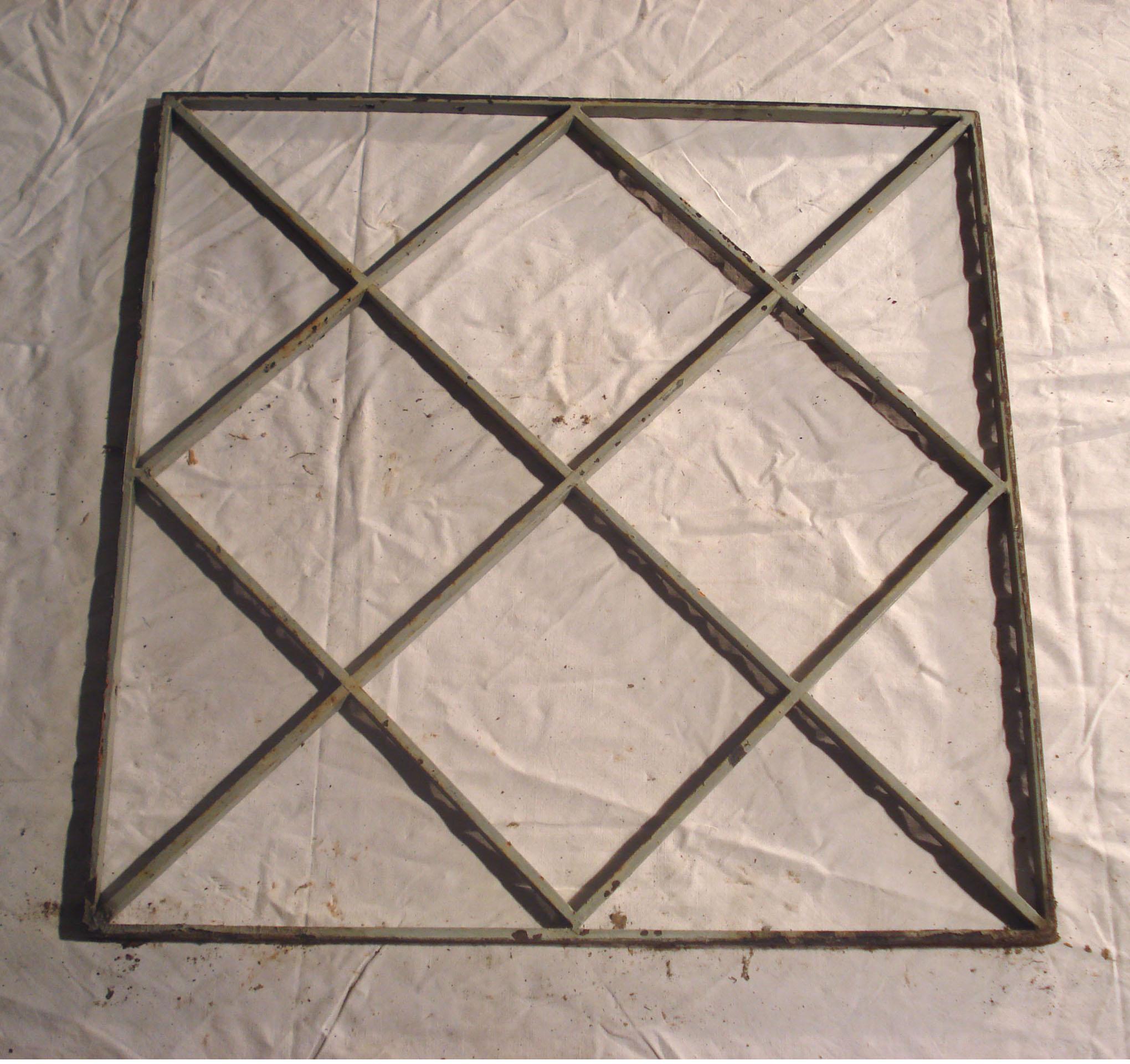 Grilles diverses en ferronnerie - Peindre une grille en fer ...