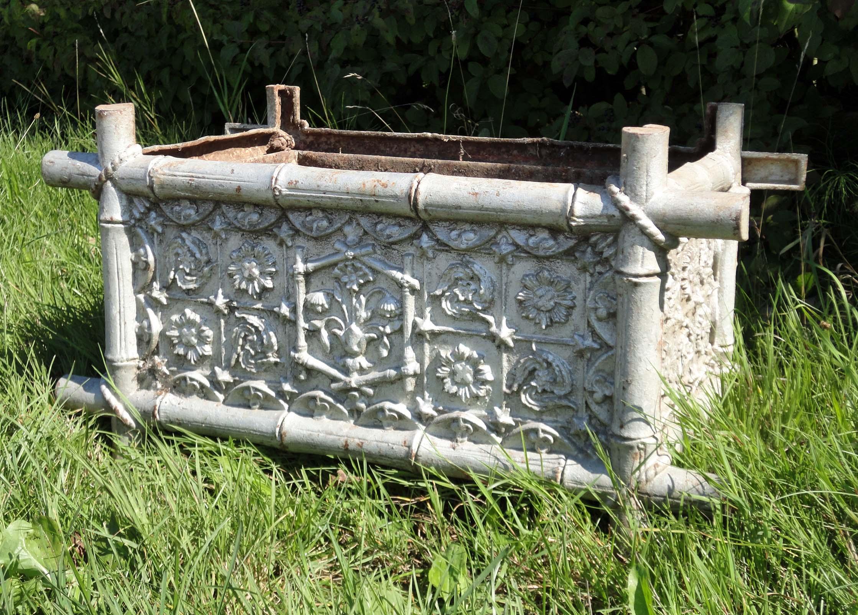 Mobilier de jardin ancien vendu - Jardiniere en fonte ancienne ...