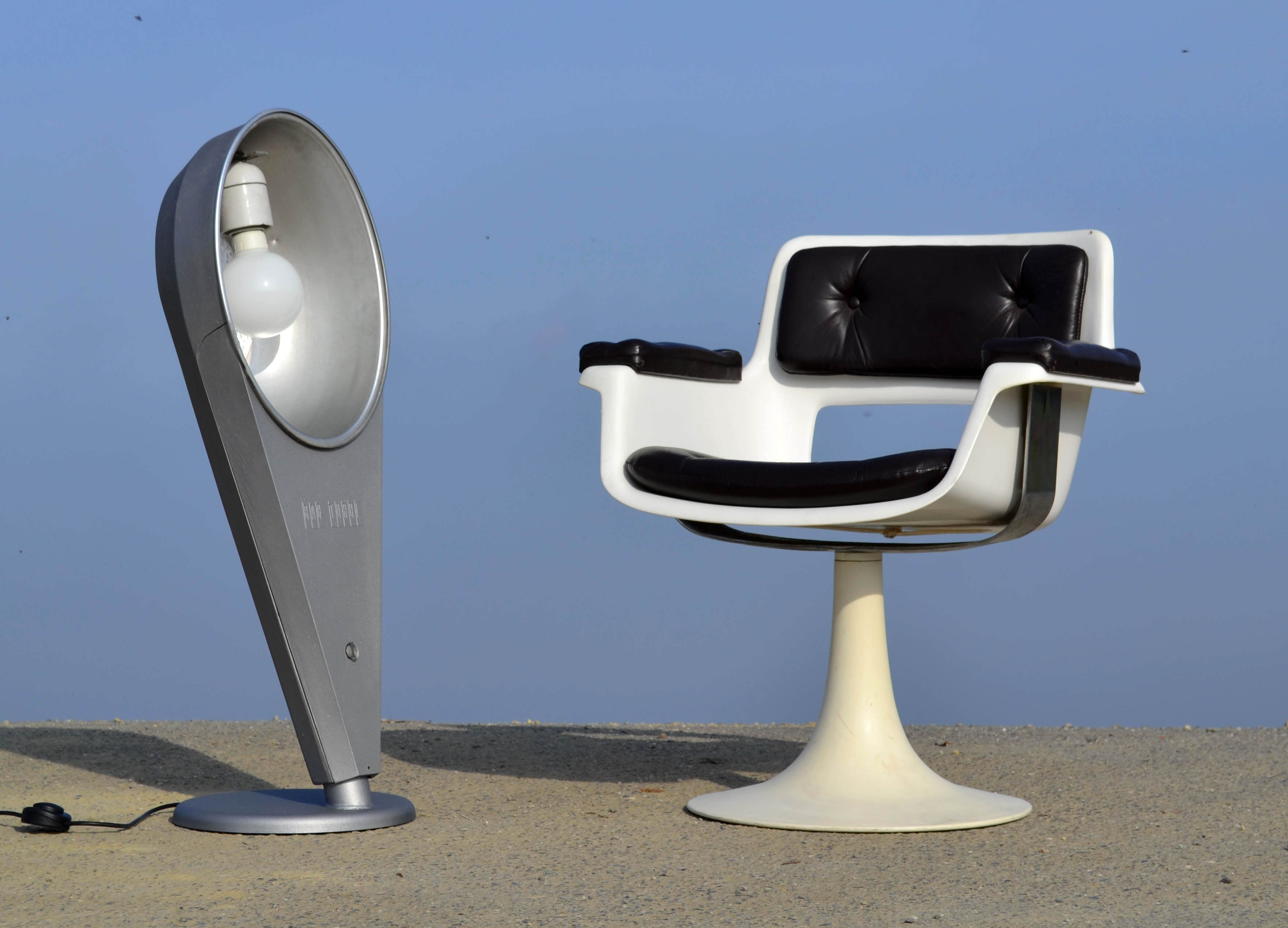 lampes indus vintage vendues. Black Bedroom Furniture Sets. Home Design Ideas