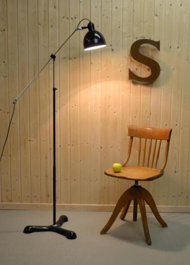 projecteurs de spectacle vintage th tre et cin ma divers install s sur des tr pieds pour. Black Bedroom Furniture Sets. Home Design Ideas
