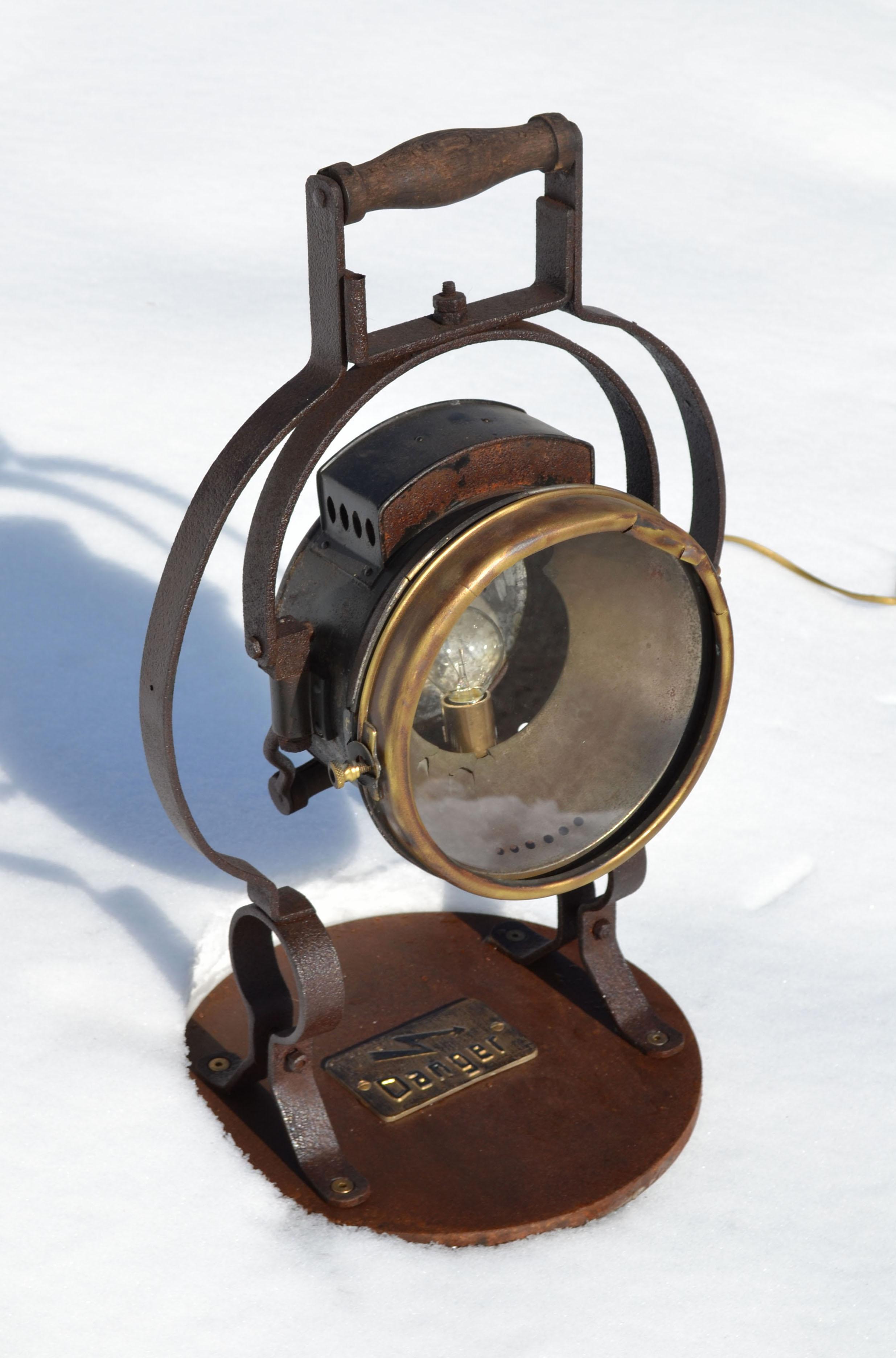 lampes industrielles vintage vendues. Black Bedroom Furniture Sets. Home Design Ideas