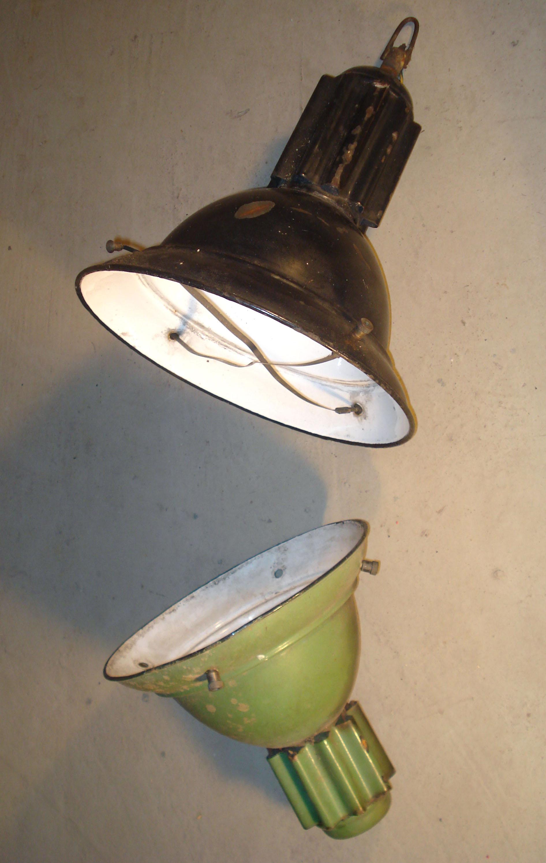 anciennes lampes industrielles en tle maille modle a. Black Bedroom Furniture Sets. Home Design Ideas