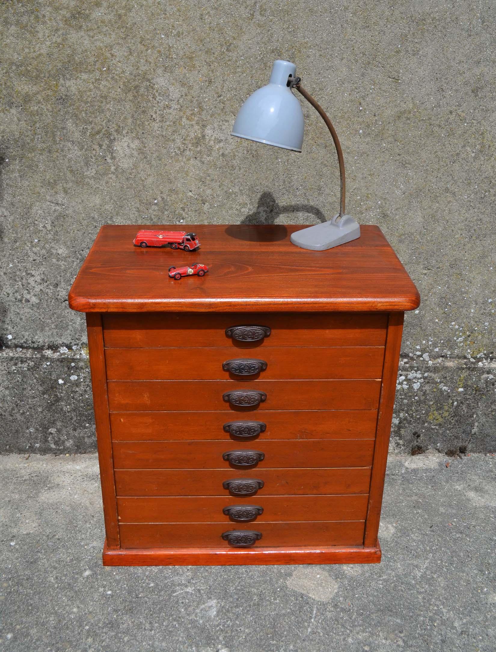 Mobilier industriel ancien chaises meubles tiroirs for Ancien meuble a tiroir