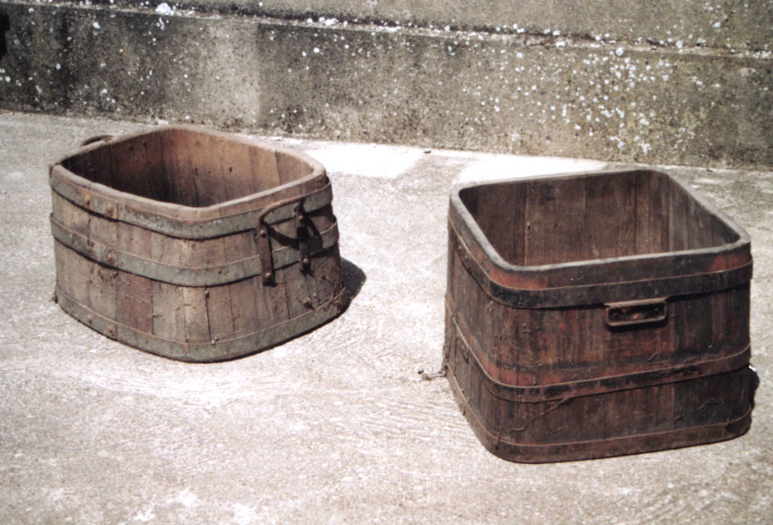 les invendables de la brocante traditionelle. Black Bedroom Furniture Sets. Home Design Ideas