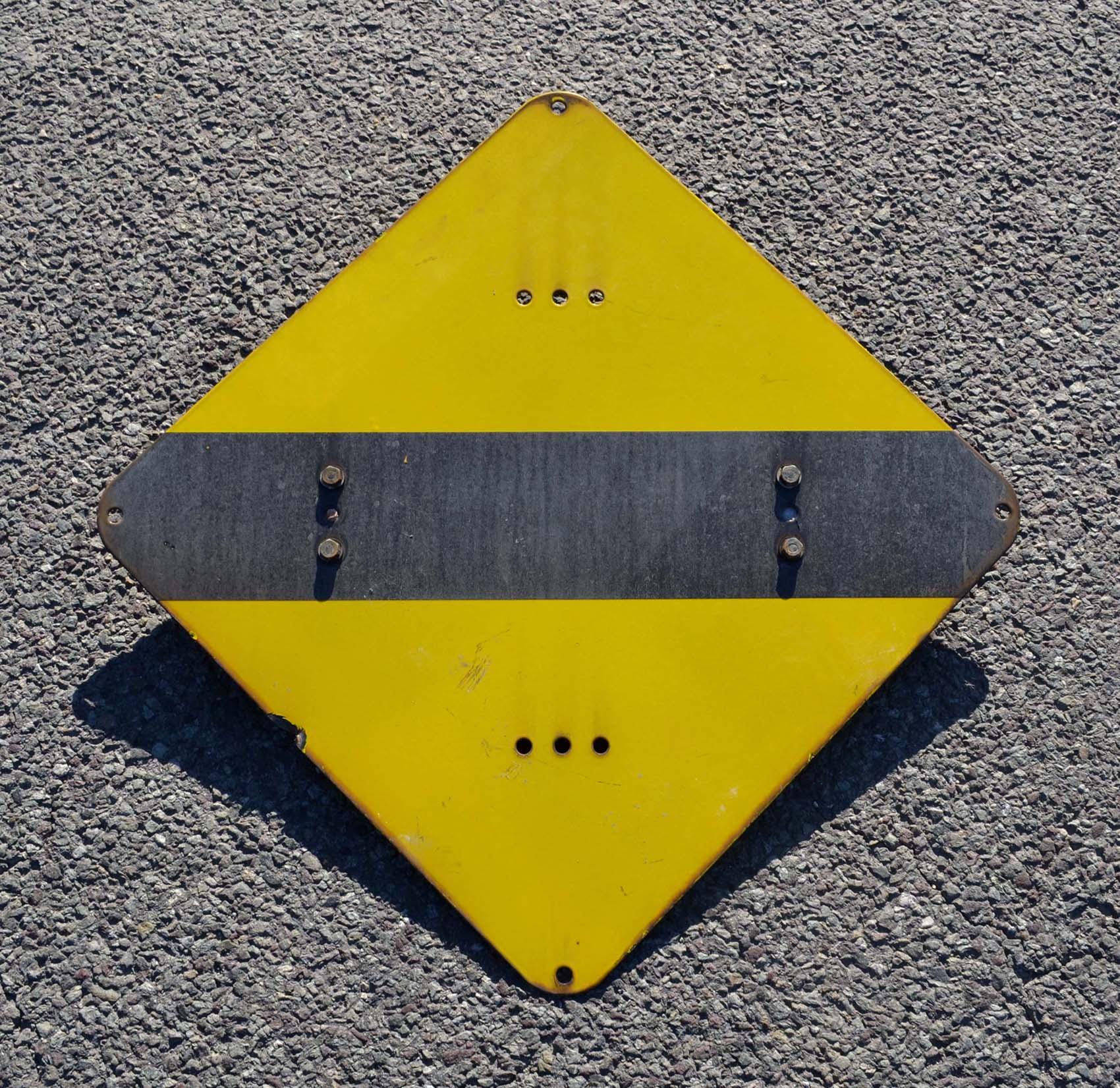 Panneau jaune signification for La couleur jaune signification