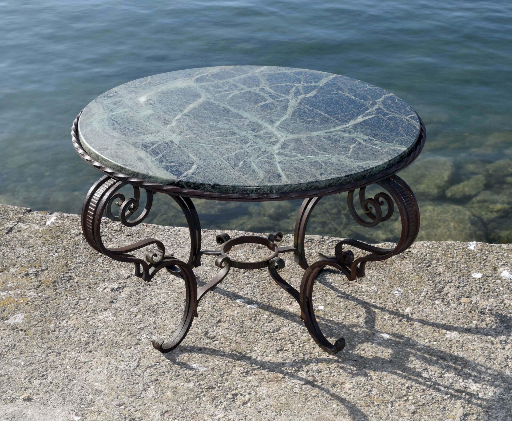 Art nouveau 1900 et art d co 1925 40 divers objets - Petite table en fer forge ...