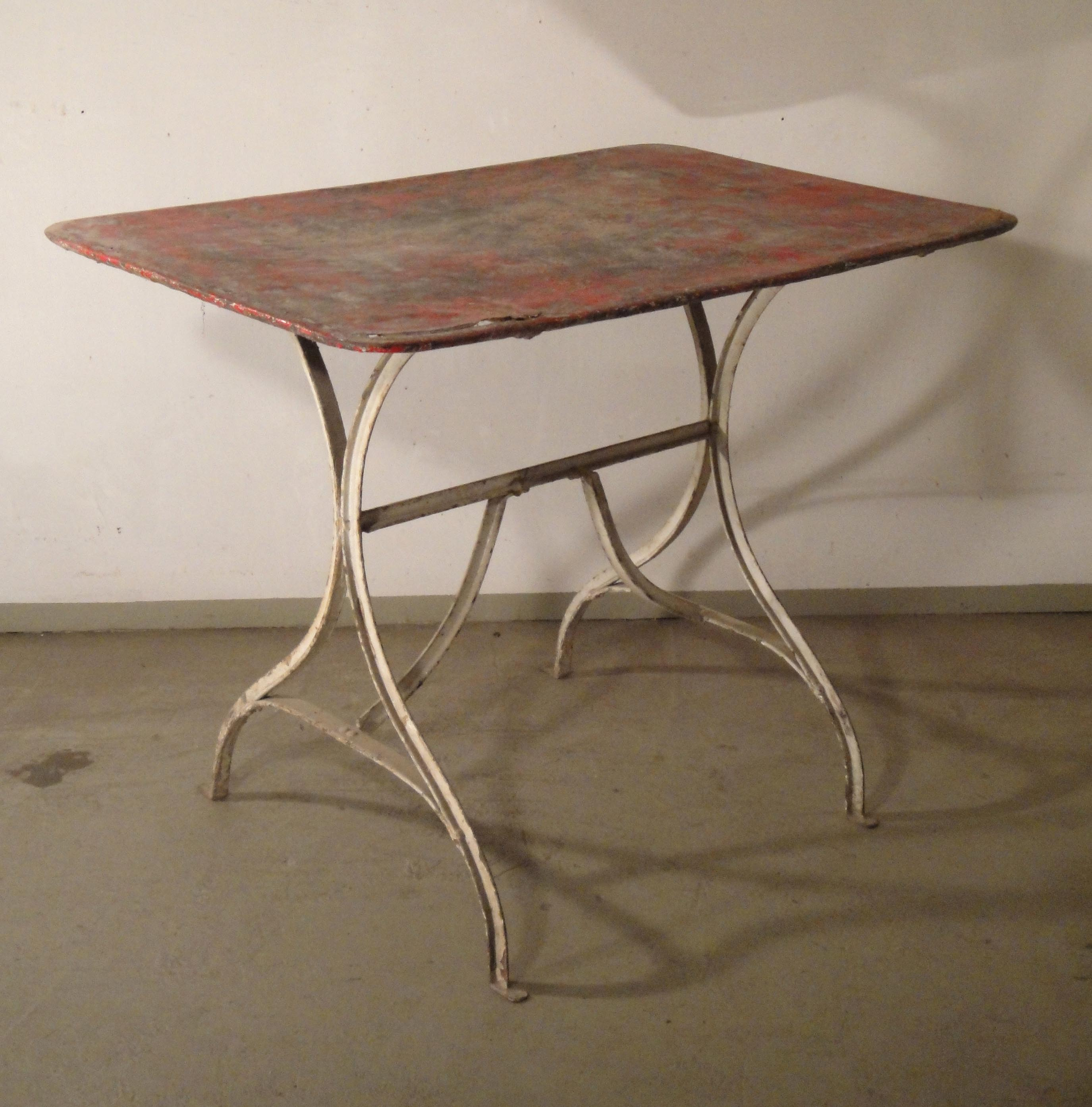 fabriquer une table de salon de jardin. Black Bedroom Furniture Sets. Home Design Ideas