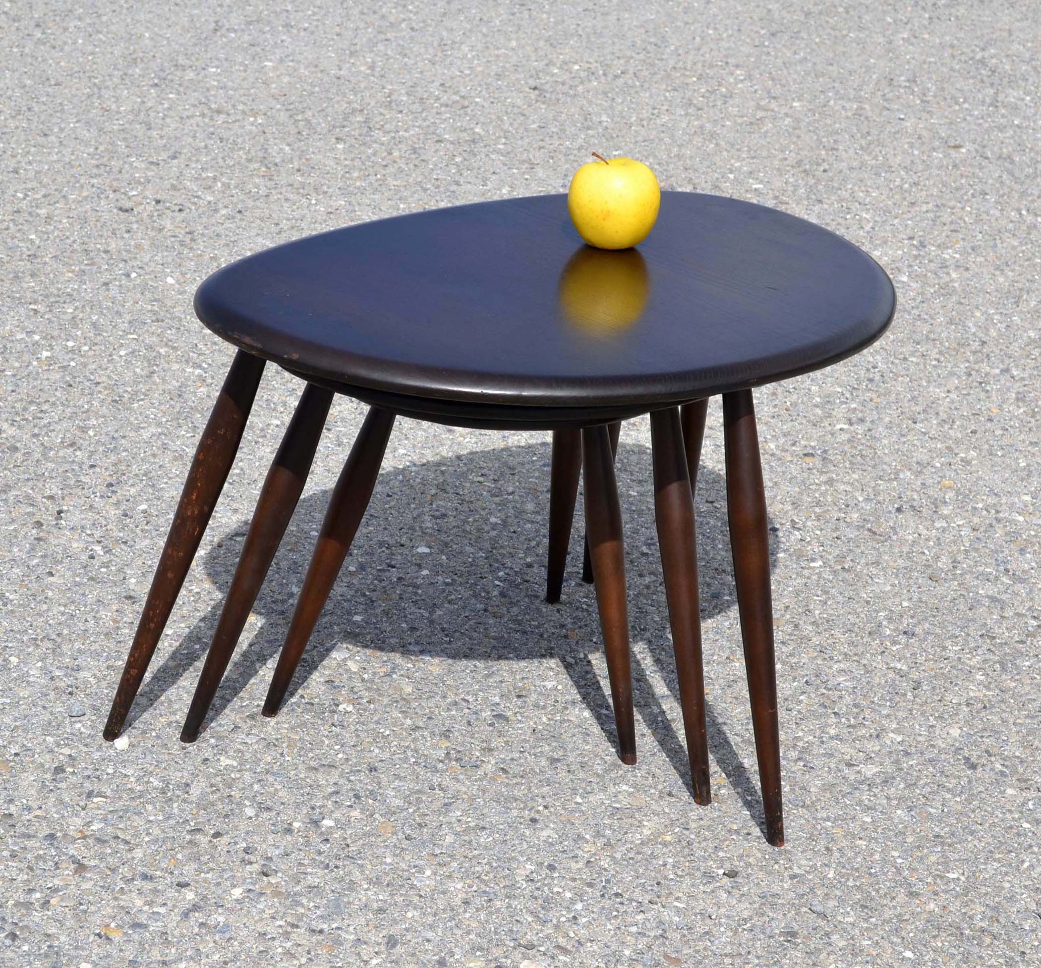 Mobilier design vintage vendu - Table basse violette ...