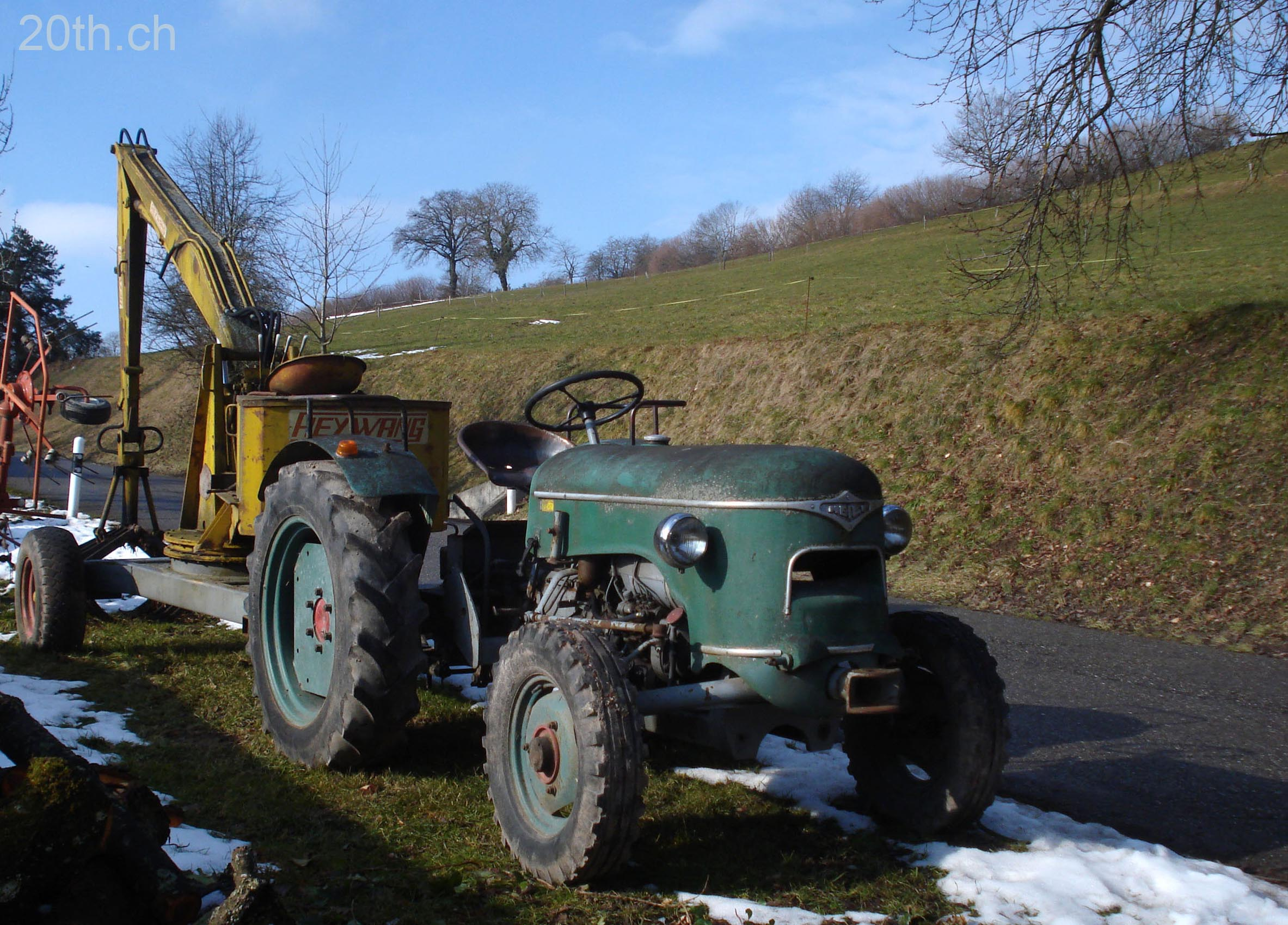 Des Vieux Tracteurs Dans Leur Biotope Naturel