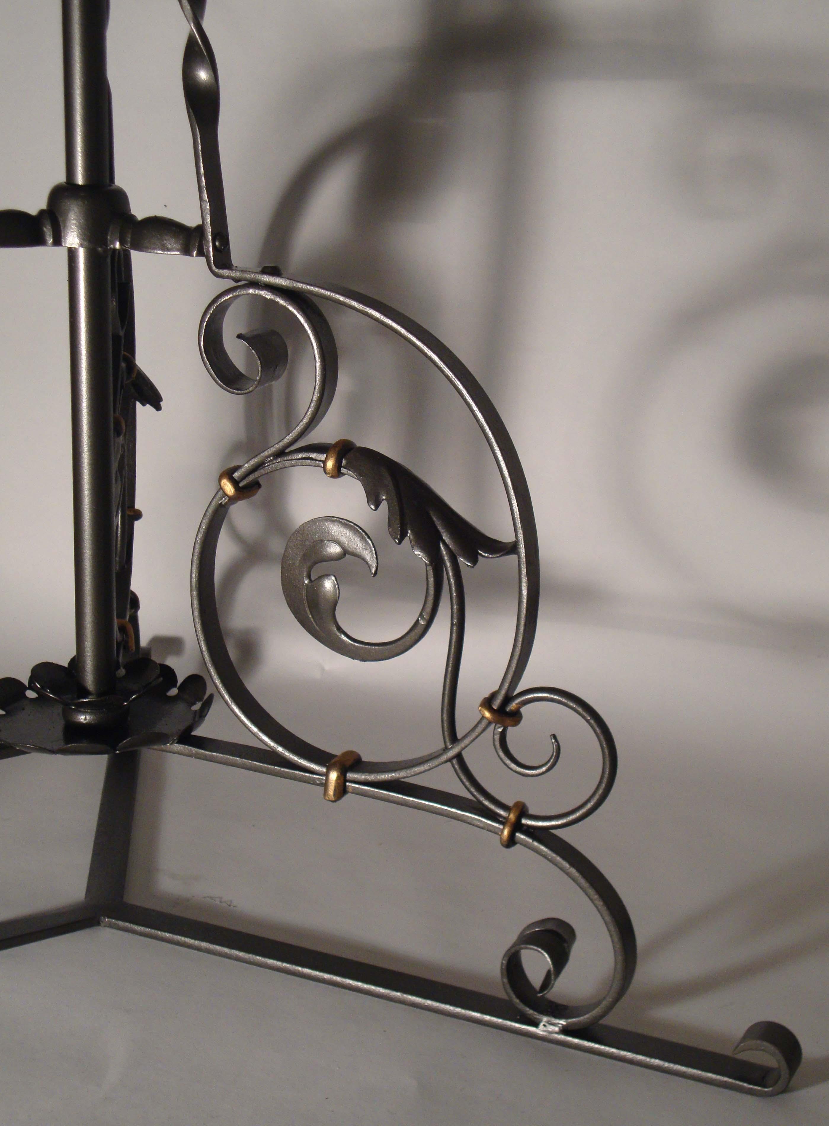 ferronnerie d'art, fabrication d'enseignes style fer forgé, mobilier