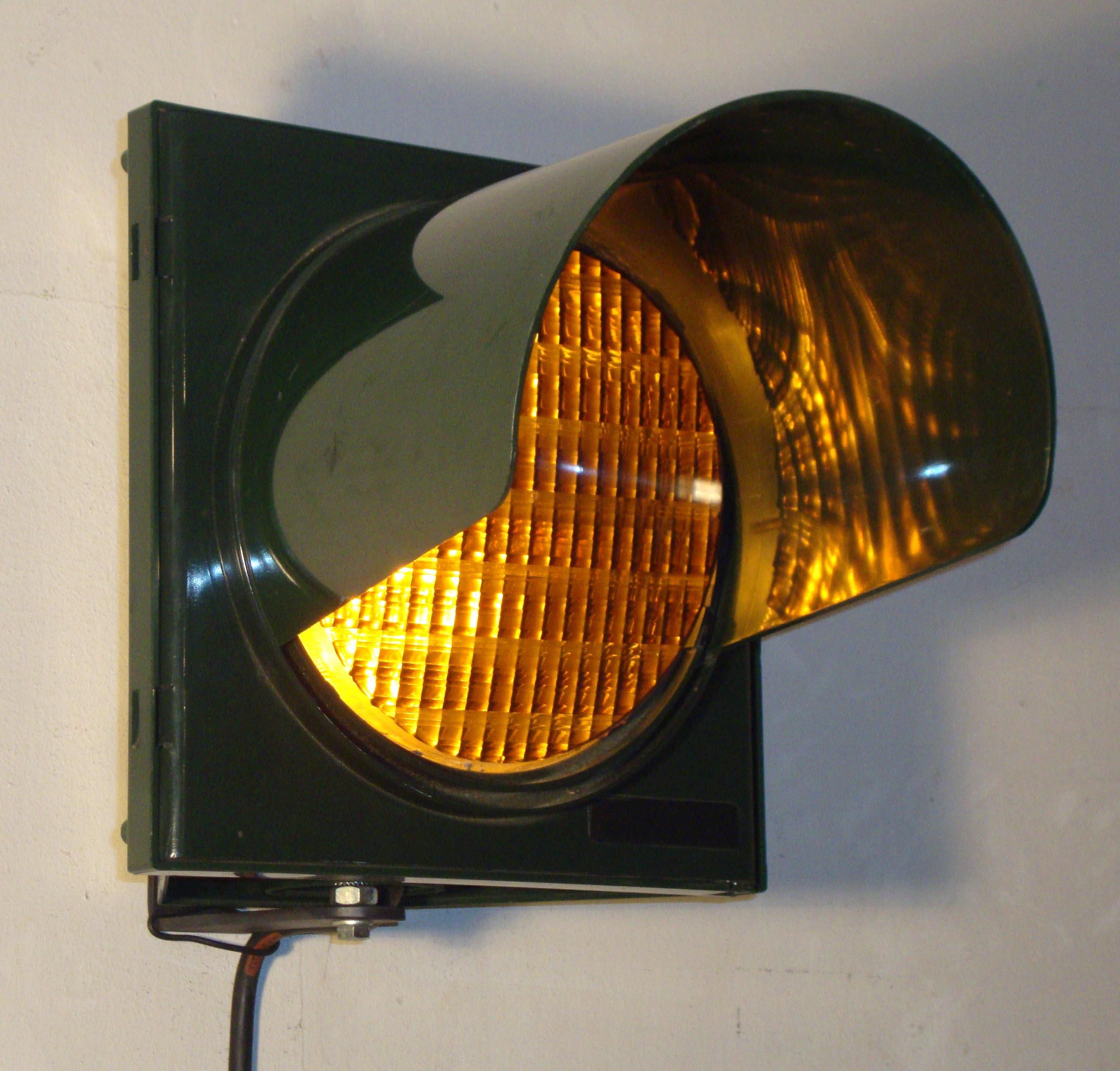De le signalisation routi re utiliser comme d coration - Feu orange clignotant ...