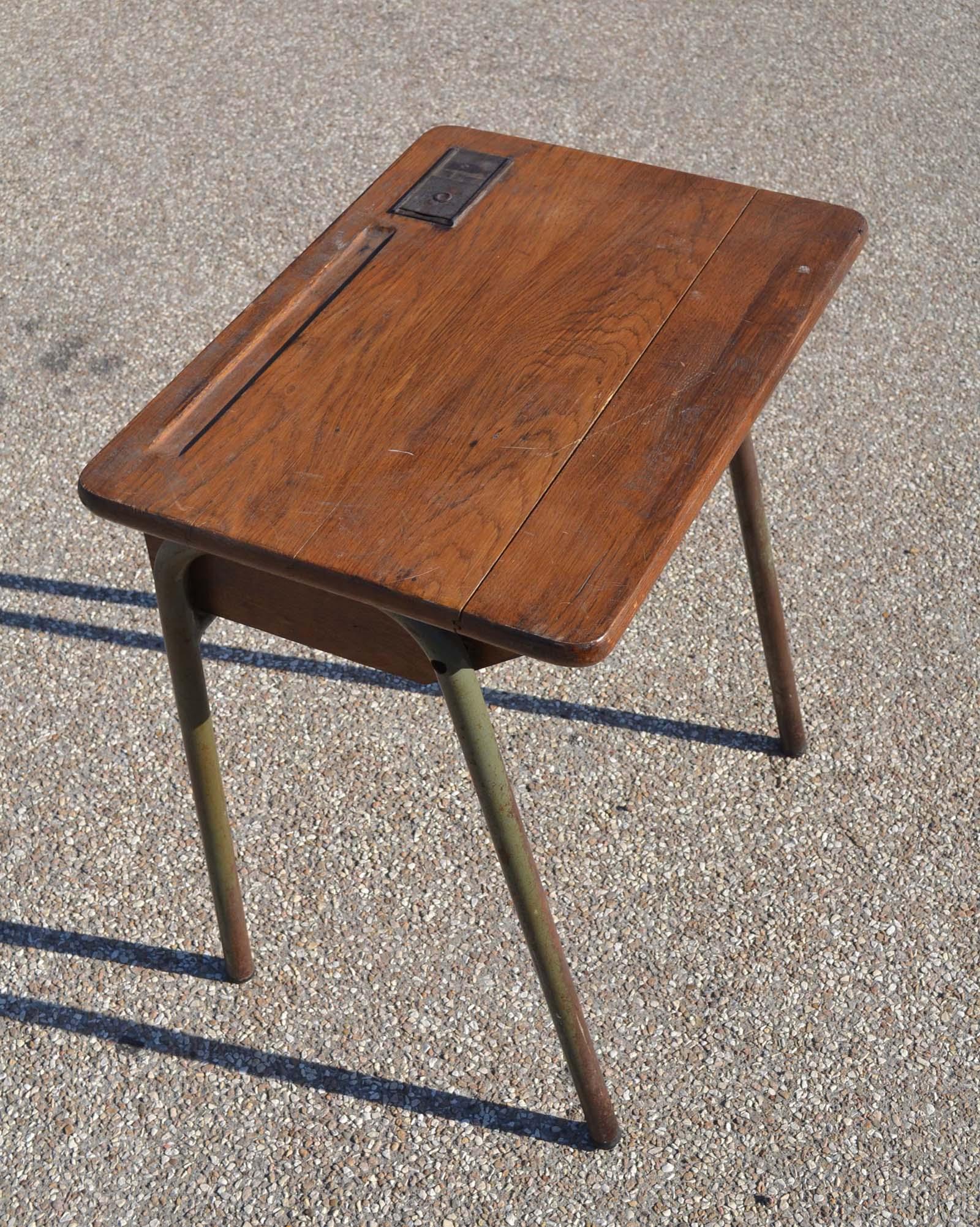 Repeindre Un Bureau D Écolier mobilier vintage pour enfants: chaises tables coffres à
