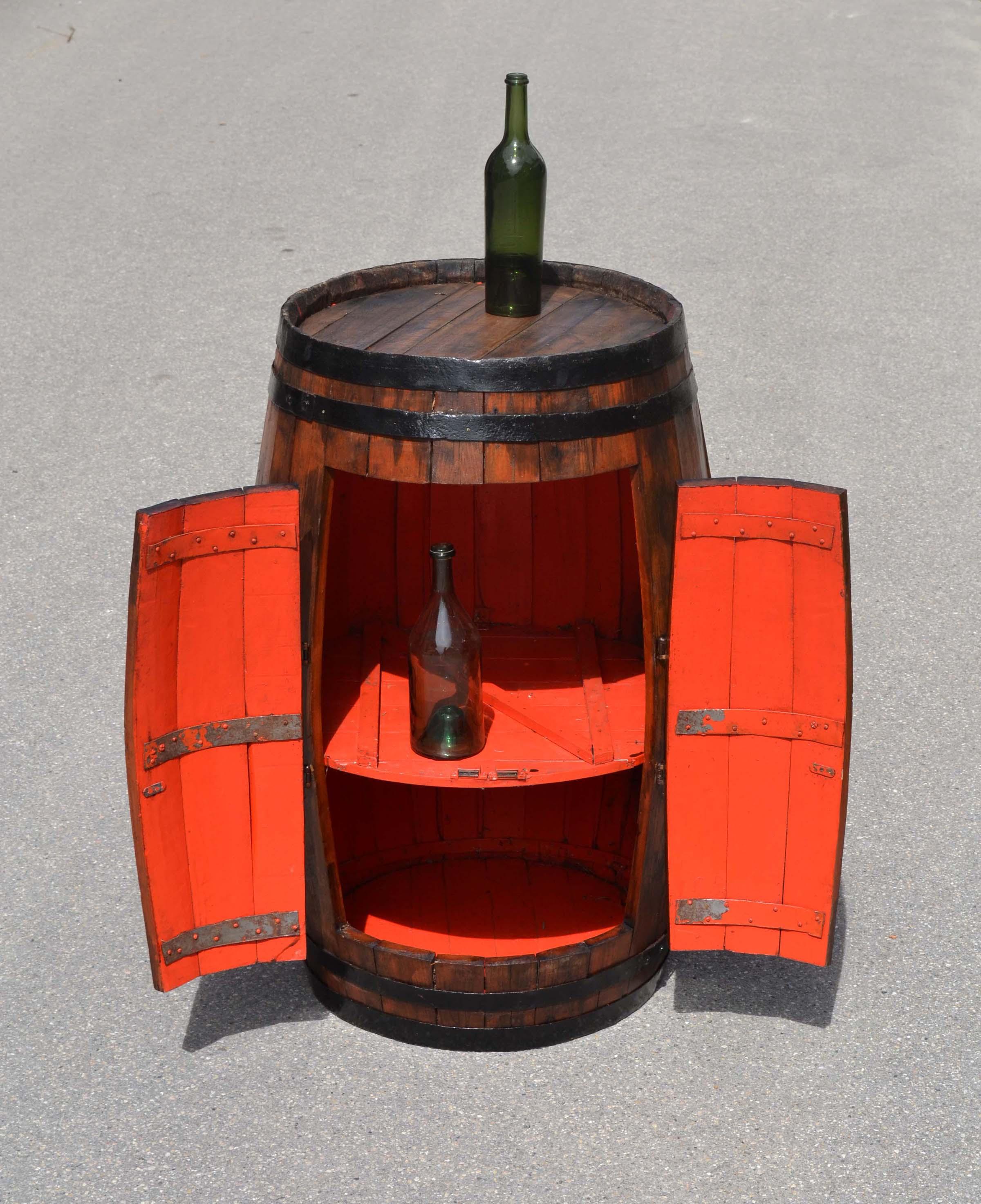 Transformer Un Tonneau En Bar les invendables de la brocante traditionelle